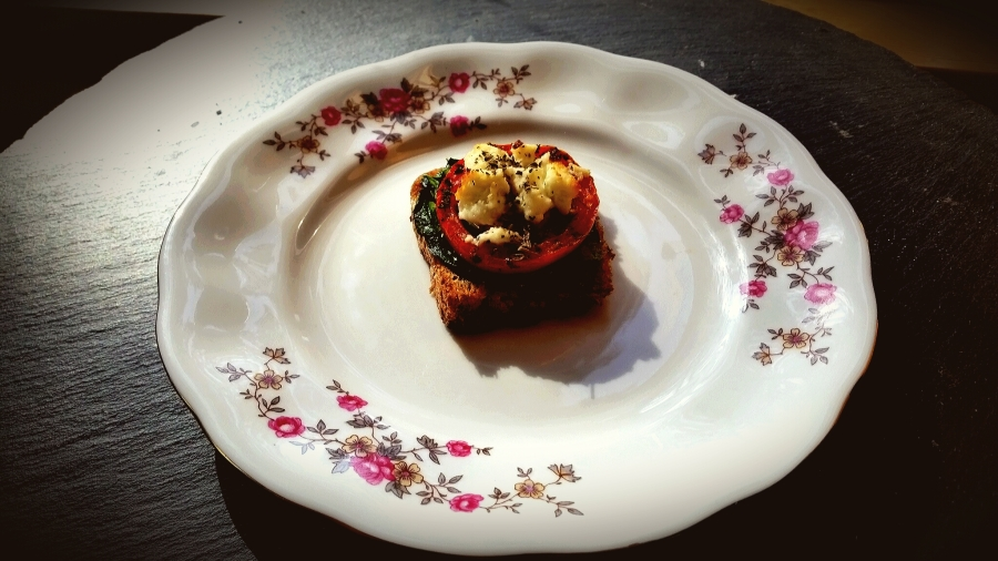 Feta Spinach & Tomato Crostini:  Afternoon Snack or Party Hors D' Oeuvres